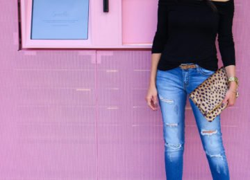 Off the shoulder top ripped jeans outfit